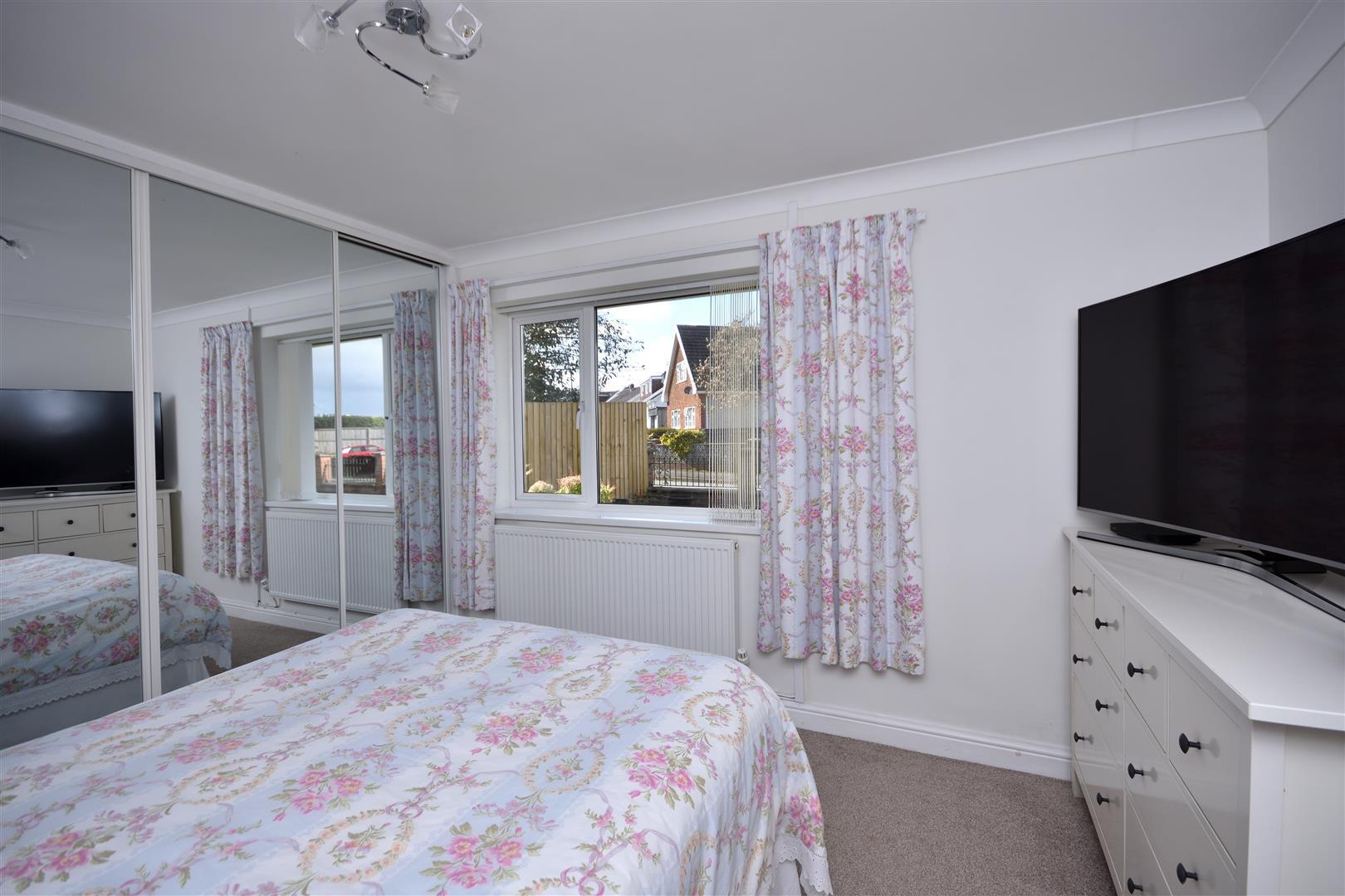 Broadmead Cresent, Bishopston, Swansea, SA3 3BA